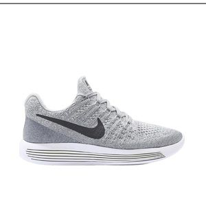 Wmns Lunarepic Low Flyknit 2 running shoes